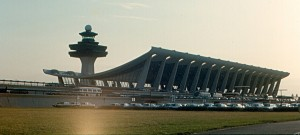 Dulles Airport (Roger Wollstadt [CC BY-SA-2.0])